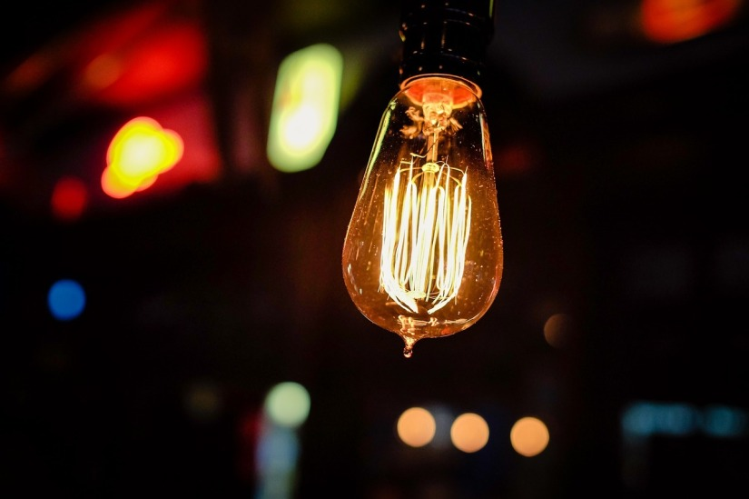 lightbulb_unsplash